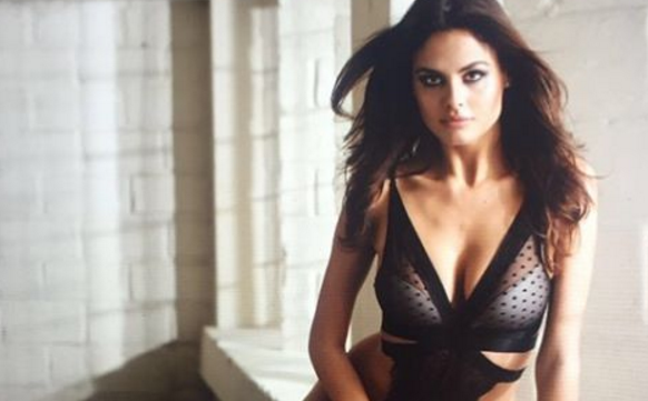 PHOTOS ET VIDEO – Bo Krsmanovic torride sur la toile !
