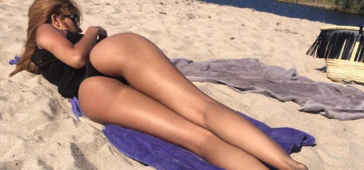 PHOTOS – Zahia en string sexy sur la plage !