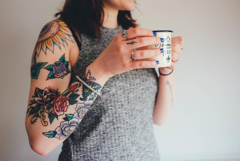 Gros plan sur les filles tatouées ! (PHOTOS)