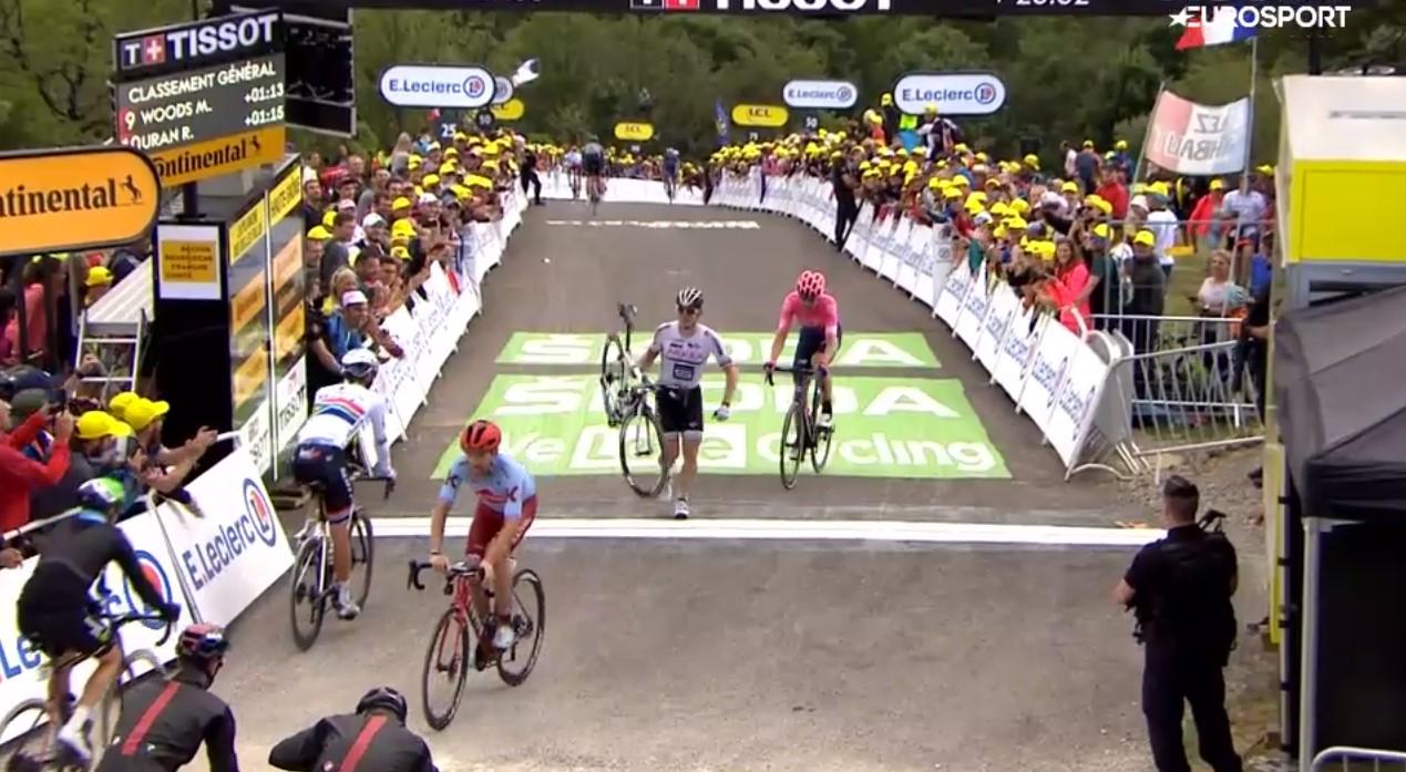 Tour de France: Greipel passe la ligne… à pied ! (VIDEO)