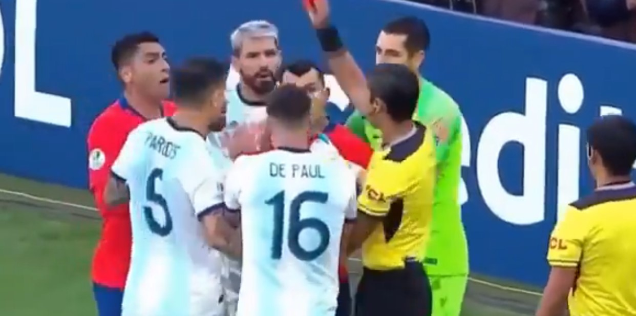 Copa America: Messi voit rouge et fustige l'arbitrage !